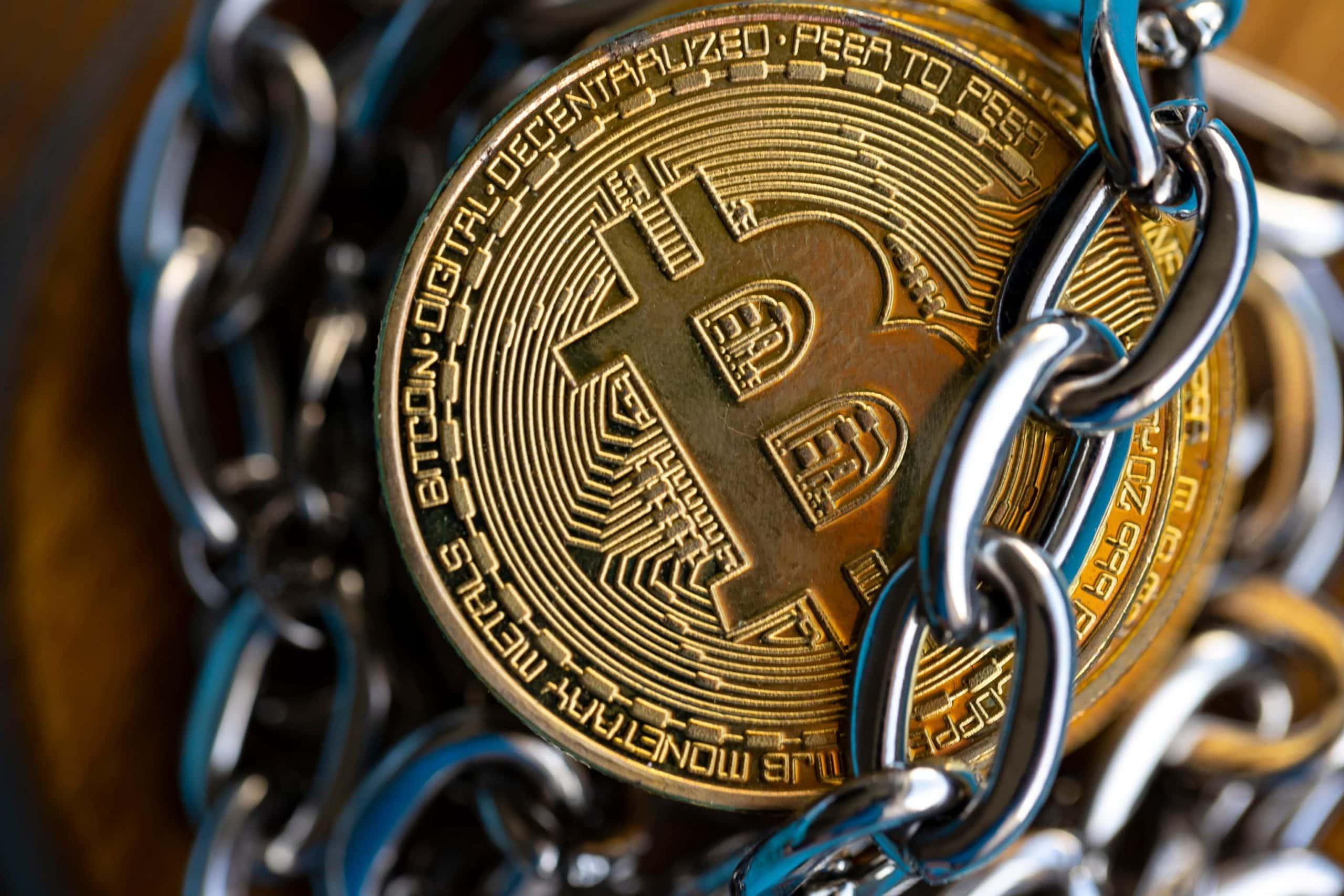Beschlagnahmte Bitcoin in Ketten