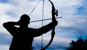 Silhouette eines Bogenschützen