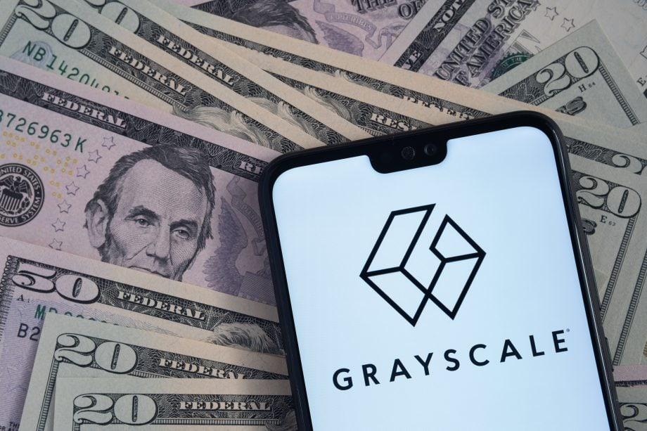 Smartphone mit Grayscale-Logo