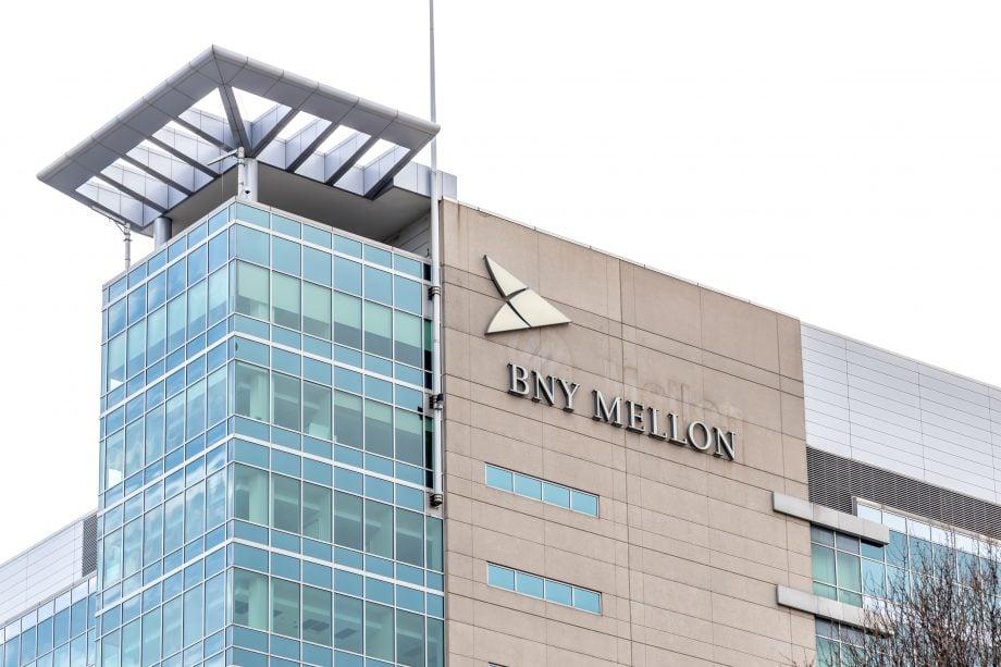Ein Geschäftsgebäude der BNY Mellon Bank.
