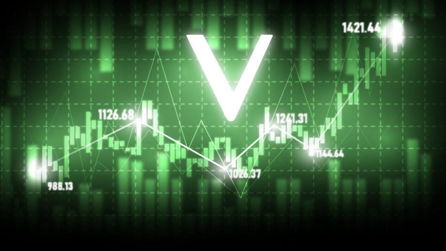 VeChain Vet vor grünem Chart-Hintergrund