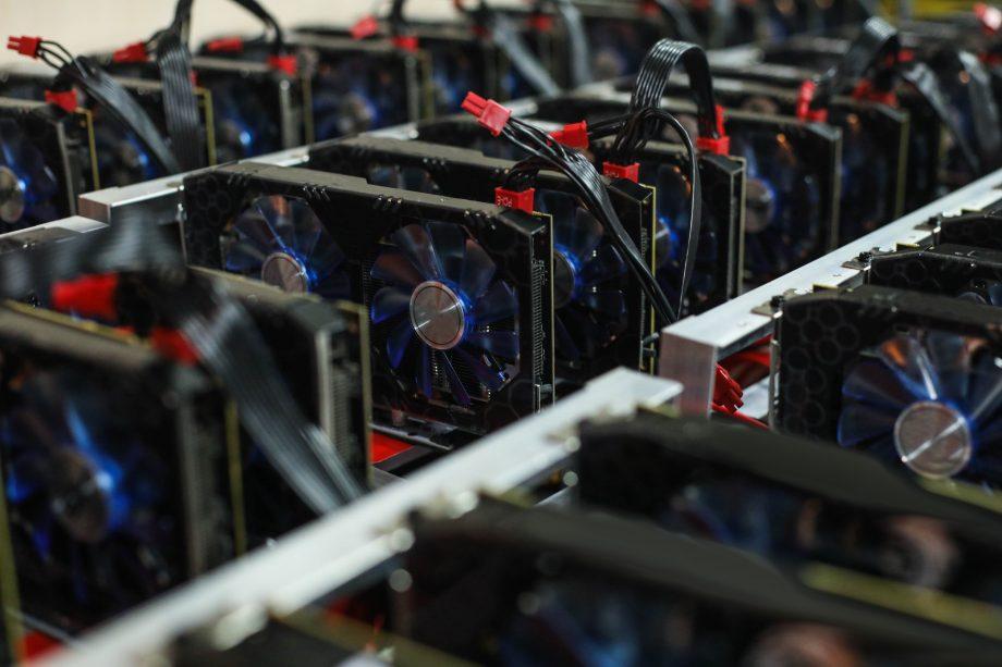 Verschiedene Mining-Computer sind zusammengeschlossen.