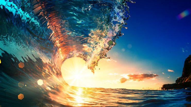 Eine Welle bricht.