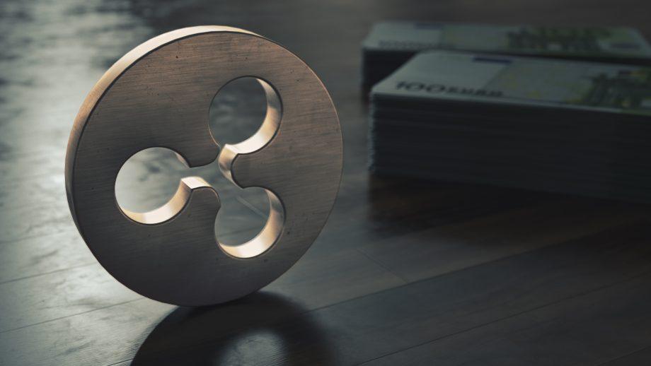 Ripple-Logo vor Geldbündeln