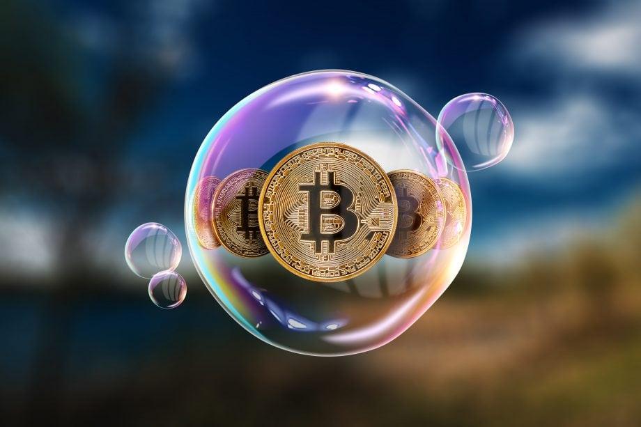 Ein Bitcoin befindet sich in einer Luftblase.