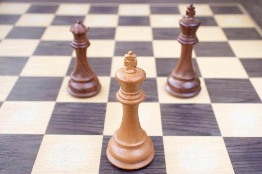 Schachfiguren in Pattstellung