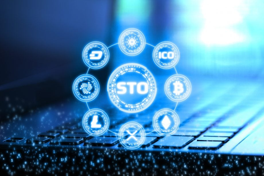 STO steht in der Mitte des Bildschirms. Drumherum sind verschiedene Kryptowährungen.
