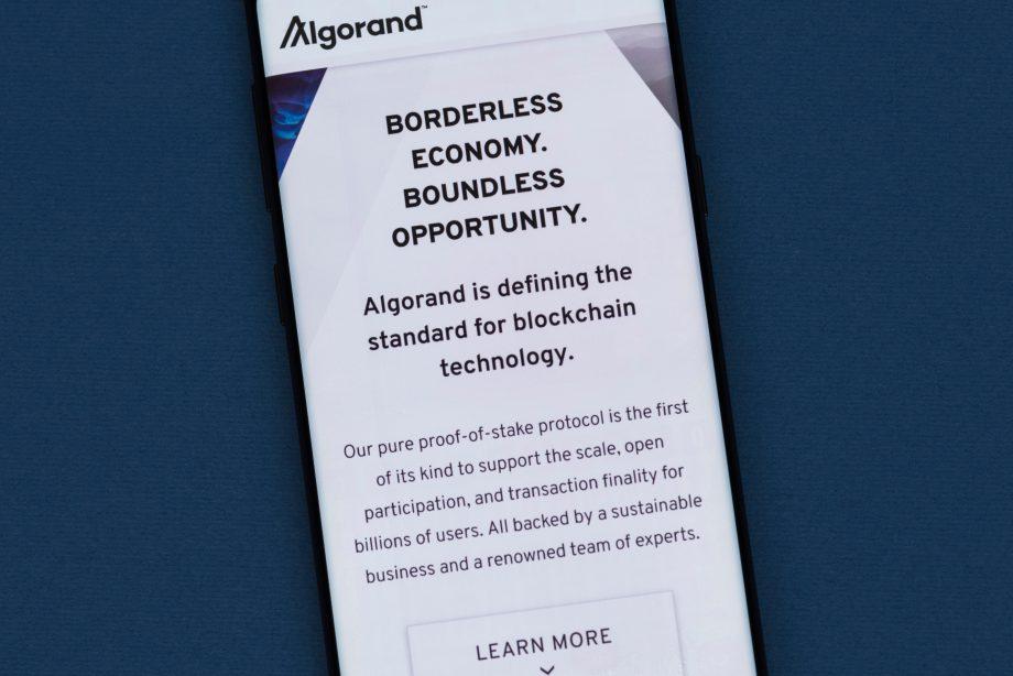 Algorand Hompeage auf Smartphone