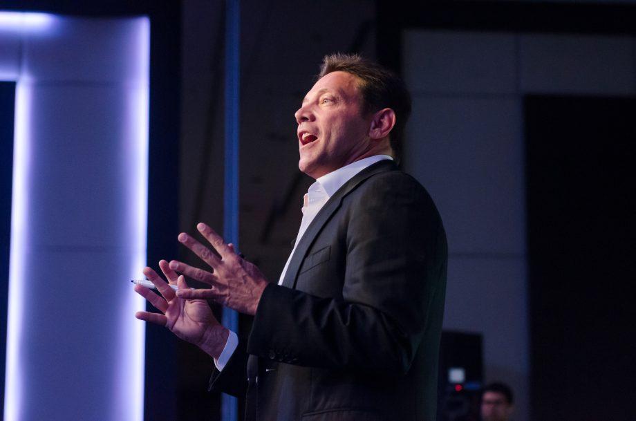 Jordan Belford bei einer Rede