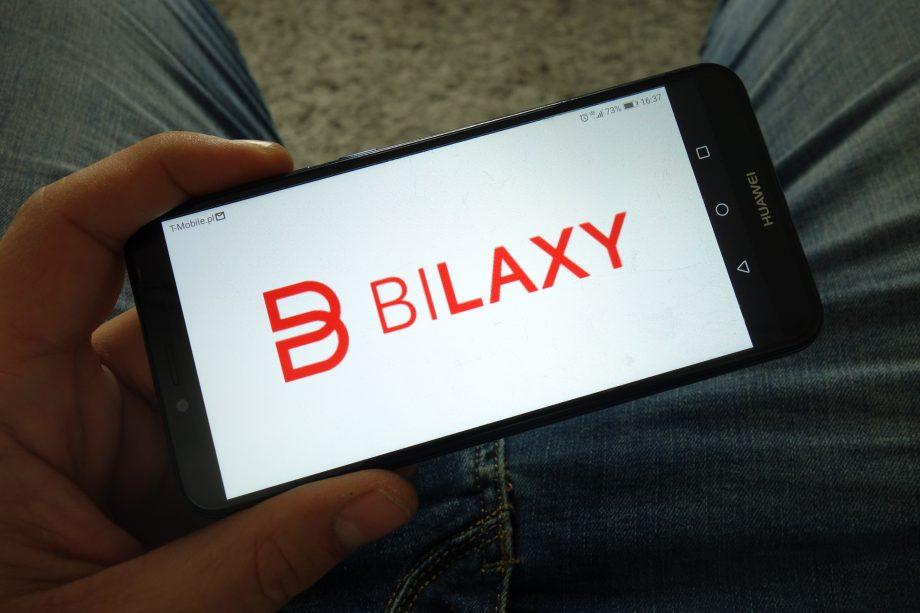 Bilaxy-Logo auf Smartphone