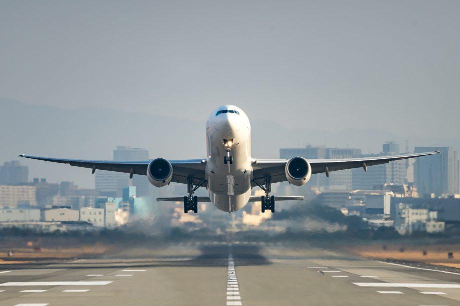 Flugzeug hebt ab