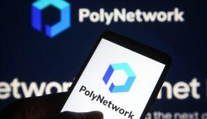 PolyNetwork-Logo auf einem Smartphone