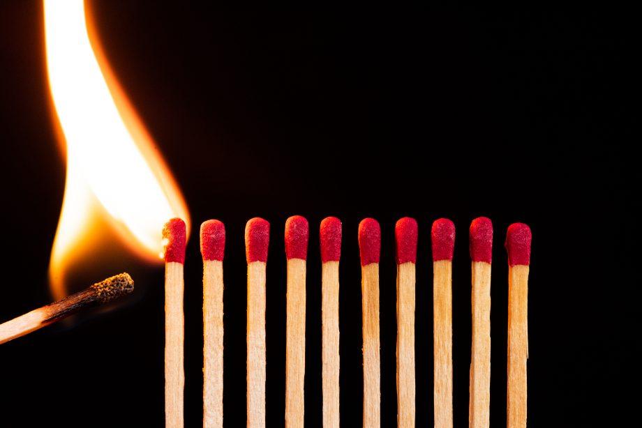 Streichhölzer brennen