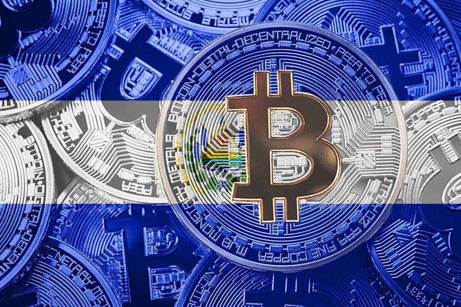 Bitcoin auf El Salvador Flagge