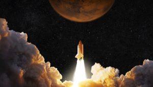 Eine Rakete fliegt Richtung Mars