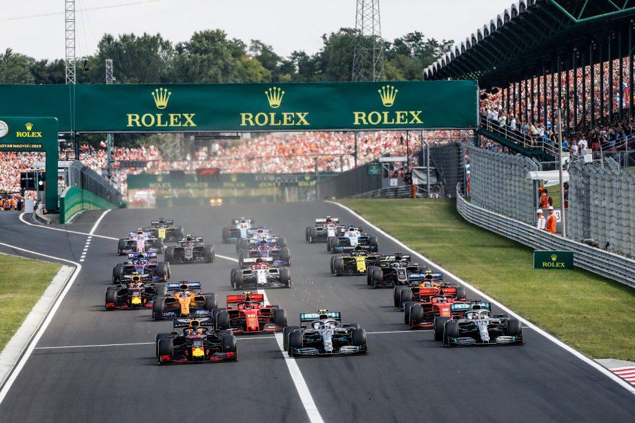 Formel 1 Autos nach dem Start