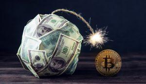 Welt-Schulden symbolisch nehmen einer Bitcoin-Münze