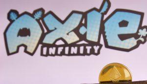 Axie Logo mit Ethereum Münze